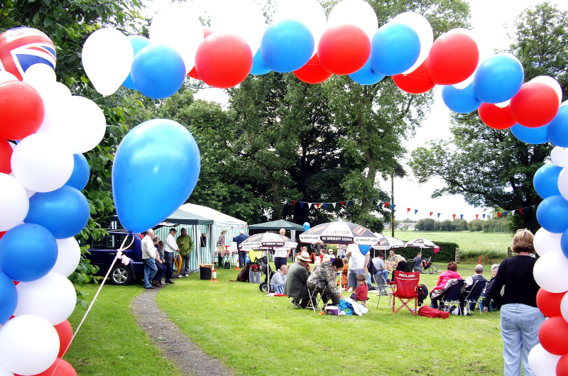 Picnic on Glazebrook Green June 2012.